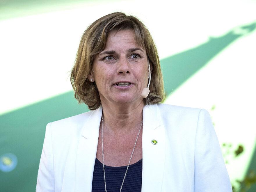 Miljöpartiets språkrör Isabella Lövin på Almedalsveckan, Gotland. Foto: News Øresund, Johan Wessman